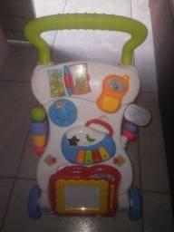 Estou vendendo esse andador de criança semi novo