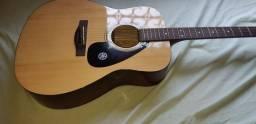 Vilão  Yamaha folk 310a