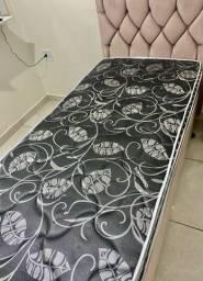 Vendo cama de molas ensacadas com 1 mês de uso