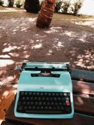 Fantastica Olivetti na cor azul Maquina de escrever antiga - antiguidade