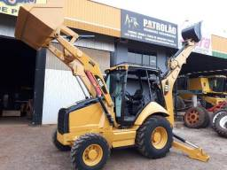 Retroescavadeira Caterpillar 416E 2012