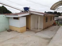 Casa de madeira três peças no Sta Cândido direto com proprietário