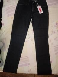 Calça jeans preta nova