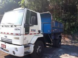Caminhão toco - 2011