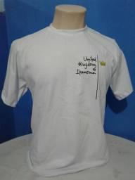 Camisas e camisetas