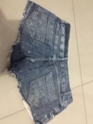 Shorts curtinho