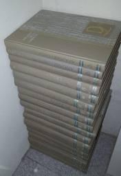 Relíquia - Enciclopédia Delta Larousse com 15 volumes e 3 anuários de 1971
