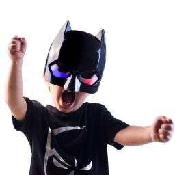 Máscara Batman Infantil Que Brilha No Escuro Pronta Entrega