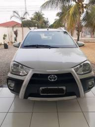 Etios HB Cross Flex 2015
