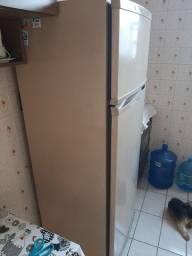 Geladeira com frizer