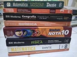 Livros e Material para Pré vestibular  tudo por 10 reais (valor simbólico)