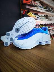Nike Shox R4 e NZ