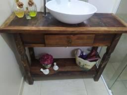 Aparador para banheiro com torneira e cuba