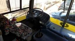 Vendendo ônibus urgente