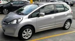 Econômico: Honda Fit 1.4 Automático 2014 original extra revisado pneus novos