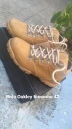 Bota oakley