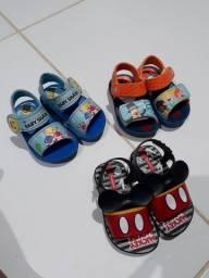 Sandálias para bebê  Tamanho 17