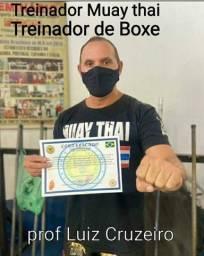 Aulas de Muay thai online treine comigo online no conforto da sua casa .