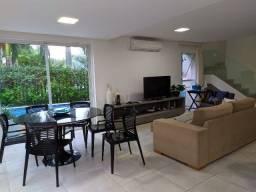 Casa com Porteira Fechada!!! Em um dos melhores condomínios de Casas de Muro Alto!!!!