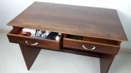Escrivaninha de imbuia