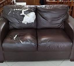 Sofá de molas em courino (necessita restauro)