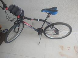 Vendo uma bicicleta seminovos Houston de cor preto