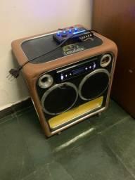 Caixa de som residencial com potência de +\- 120w
