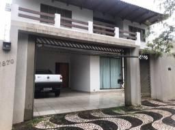 Sobrado em Paranavaí-PR, 01 suíte, 02 quartos - Centro, ideal para escritório