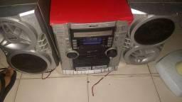 Aparelho de som com cd e toca fitas e caixas de som