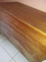 Bau de madeira legítima
