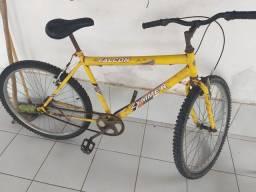 Bicicleta bem conservada, com pneus novos. V/T