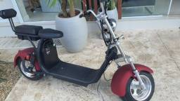 Moto Elétrica Scooter 2000w com Bateria de 23 ah
