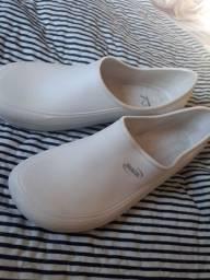 Sapato anti derrapante