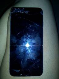 iPhone 6 com tela quebrada