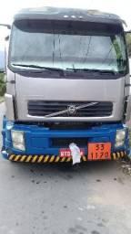 Caminhão tanque de combustível - 2011