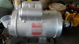 Motor de indução de baixa 1.1/2 cv
