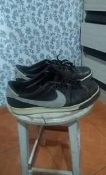 Vendo ou troco tênis Nike couro