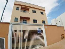 Apartamento no Jardim Ipê, com 2 quartos!!
