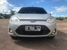 Vende-se um Fiesta SE 1.6 sedan ano 2014