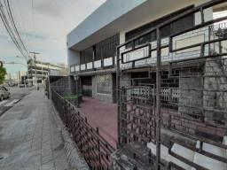 Casa para fins Comercial no Alecrim - Proximo ao Corpo de Bombeiros 370m²