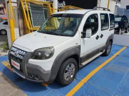 FIAT DOBLÒ 2013 1.8 MPI ADVENTURE carro especifico pra cadeirante?