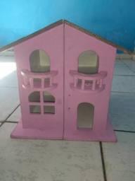 Casa de Boneca de madeira