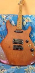Guitarra em Mogno