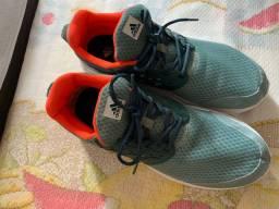 Tênis Adidas 44