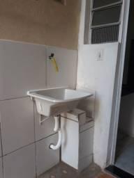 Alugue casa com 02 quartos e garagem em Barcelona, Serra/ES