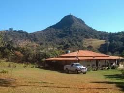 Sitio de 10.000 m2 localizado a 10 km Ipoema/MG