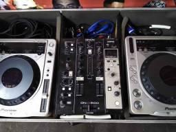 Vendo CDJ 800 mk2 e mixer denon DN X600 Com placa midi traktor pro Dj caixas e potência