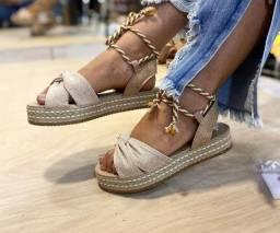 Vendo sandália flatform Leia a descrição