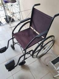 Cadeira de rodas semi-nova