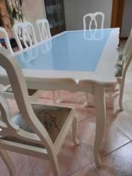 Mesa laqueada com 8 cadeiras, novíssima!<br>